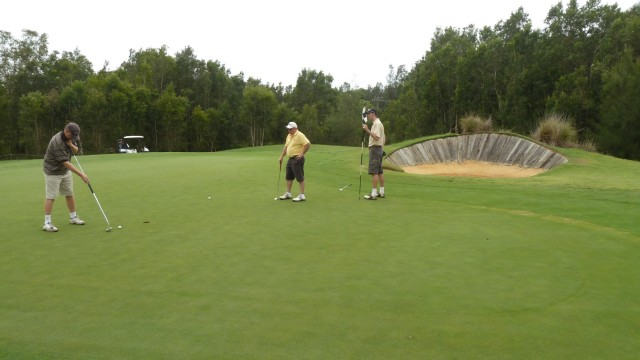 The 1st green at Kooindah Waters Golf Club