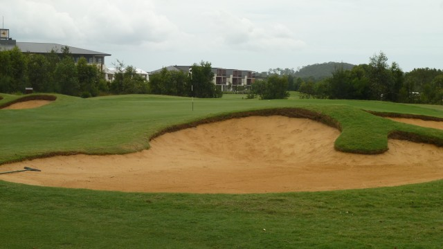 The 5th green at Kooindah Waters Golf Club