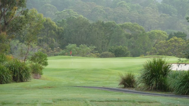 The 5th tee at Monash Country Club