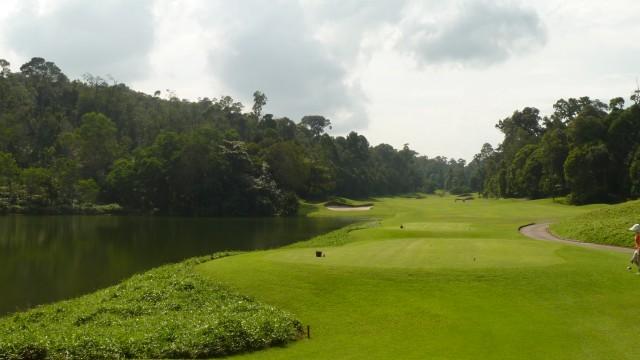 The 16th tee at Ria Bintan Golf Club Ocean Course