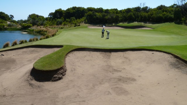 The 4th green at The National Golf Club Old Course