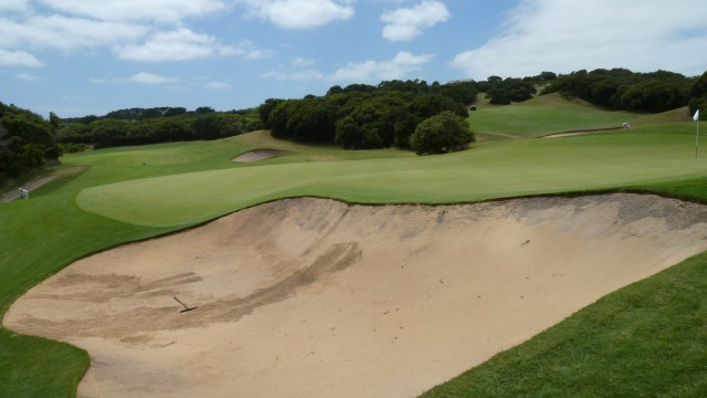 The 6th green at The National Golf Club Old Course