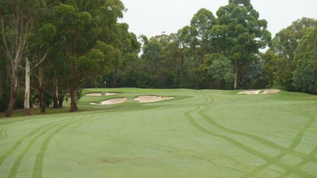 The 3rd fairway at Avondale Golf Club