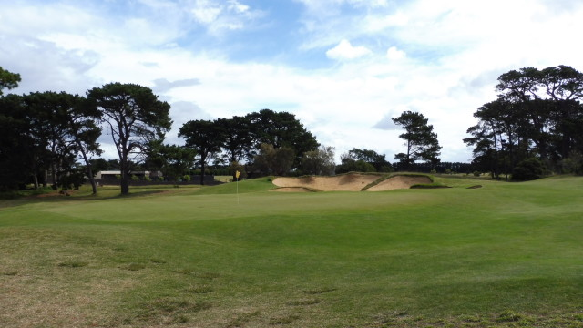 The 6th green at Thirteenth Beach Golf Links Creek Course