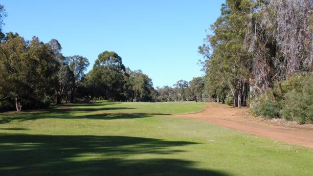 The 1st tee at Araluen Golf Resort
