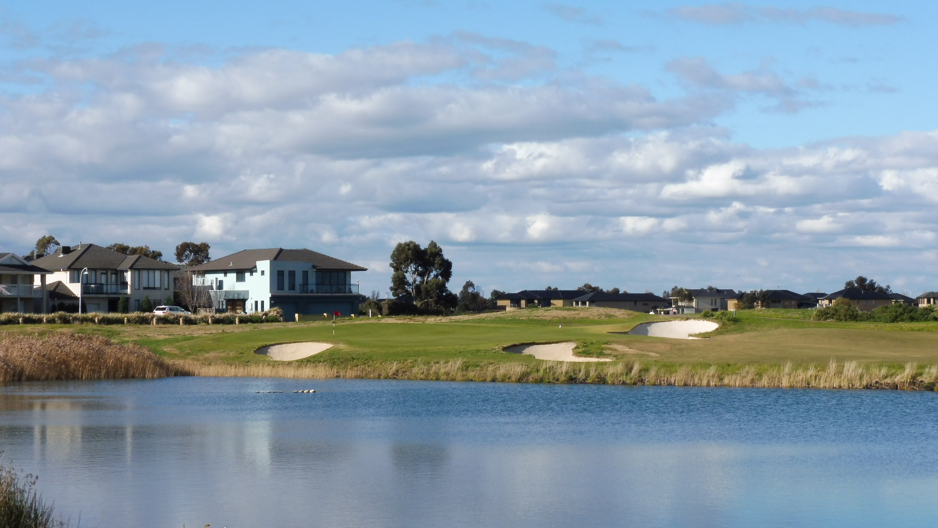 The 6th tee at Sanctuary Lakes Golf Club