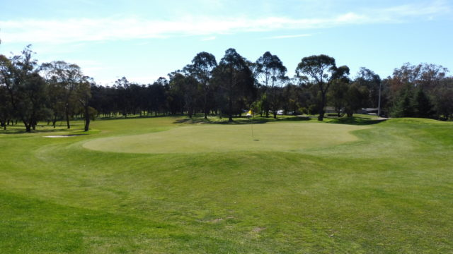 The 18th green at Federal Golf Club