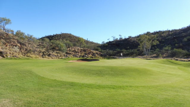 The 5th green at Alice Springs Golf Club