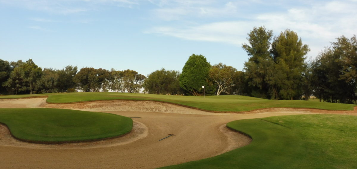 The 2nd green at Murray Downs Golf Country Club