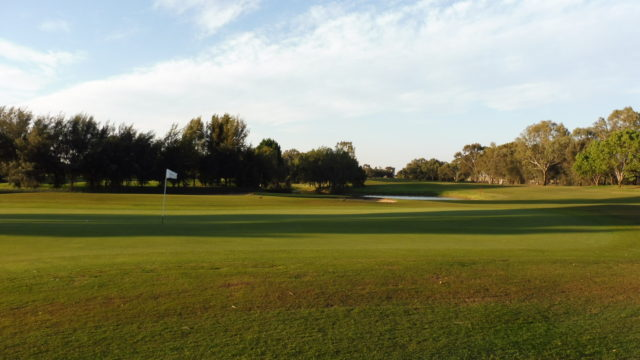 The 4th green at Murray Downs Golf Country Club