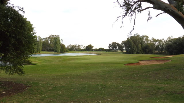 The 5th green at Murray Downs Golf Country Club