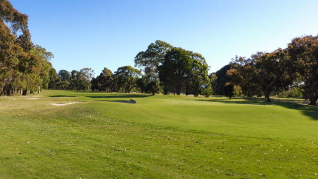 The 18th green at Cranbourne Golf Club