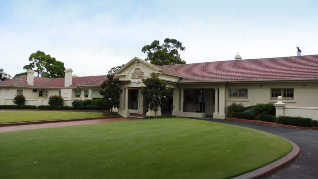 Entrance to Commonwealth Golf Clubhouse