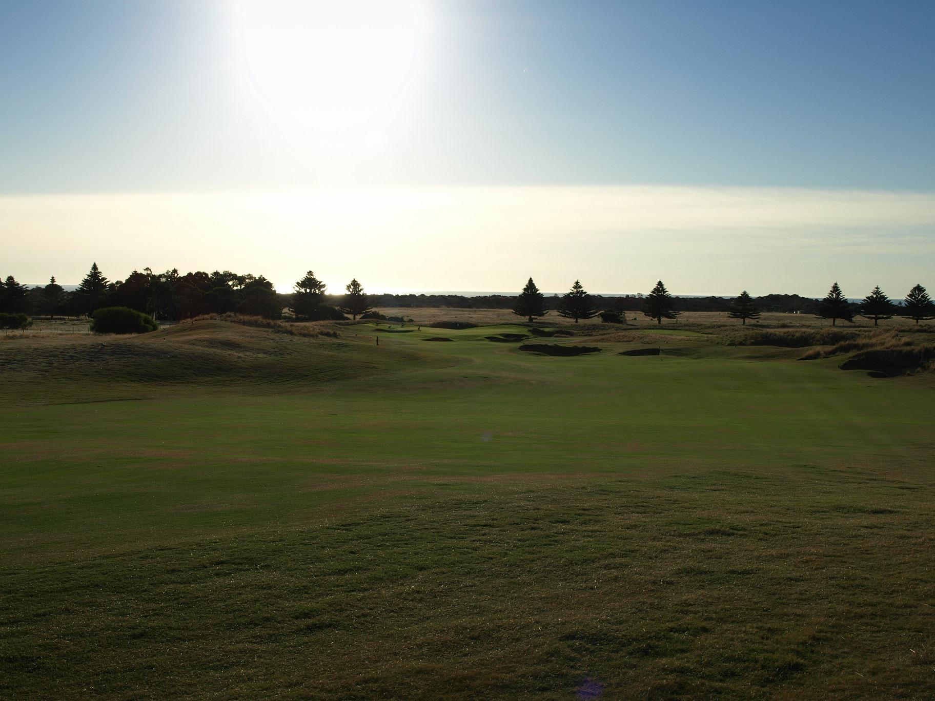 links lady bay golf resort 11th fairway aussie golf quest. Black Bedroom Furniture Sets. Home Design Ideas