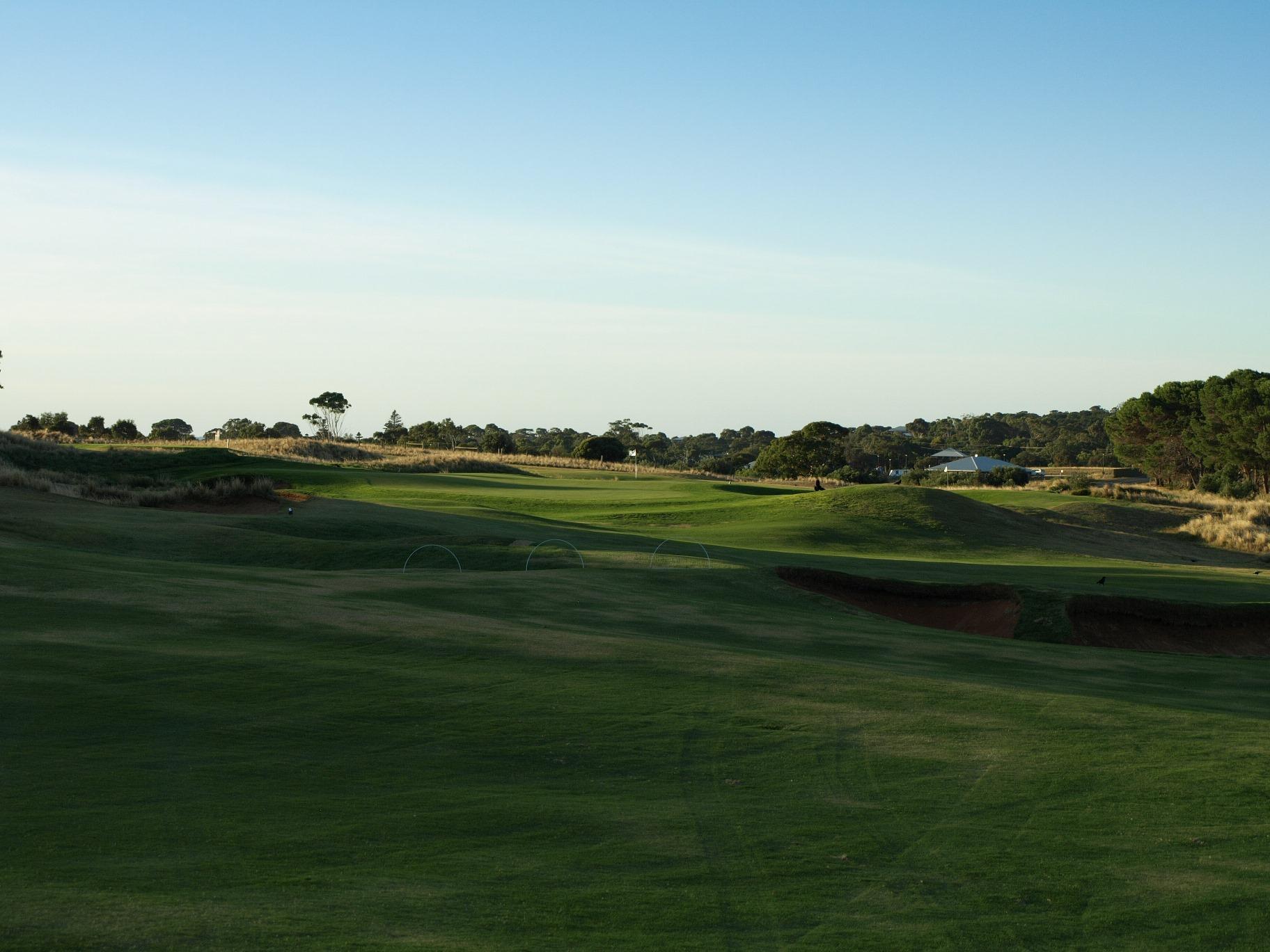 links lady bay golf resort 16th fairway aussie golf quest. Black Bedroom Furniture Sets. Home Design Ideas