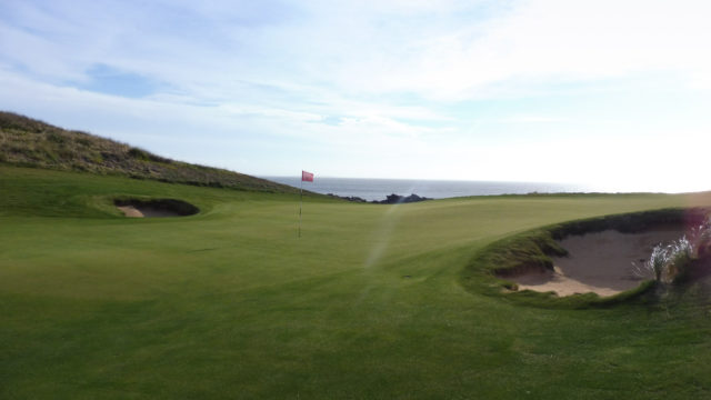 The 10th green at Cape Wickham Links