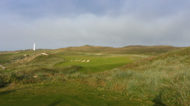 The 14th tee at Cape Wickham Links