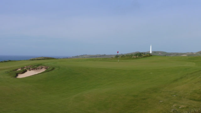 The 5th green at Cape Wickham Links