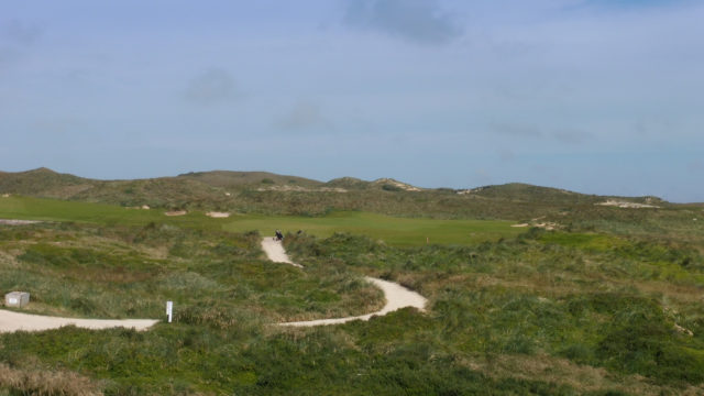 The 6th tee at Cape Wickham Links