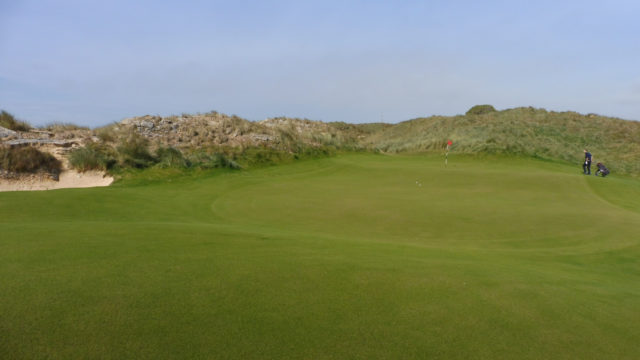 The 7th green at Cape Wickham Links