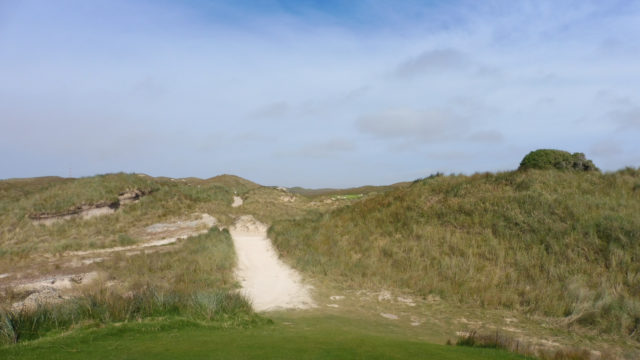 The 8th tee at Cape Wickham Links