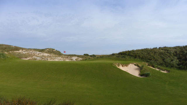 The 9th green at Cape Wickham Links