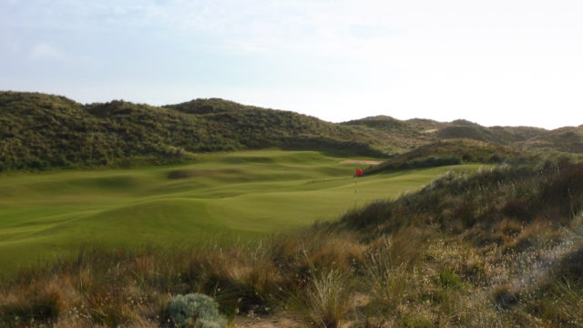Himilayan putting green at Cape Wickham Links