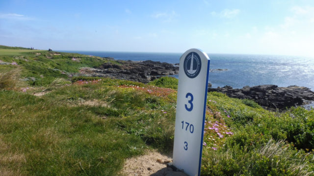 Hole marker at Cape Wickham Links