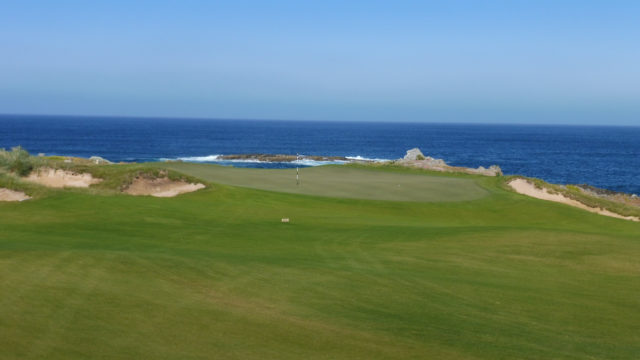 The 3rd green at Ocean Dunes