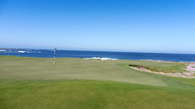 The 4th green at Ocean Dunes